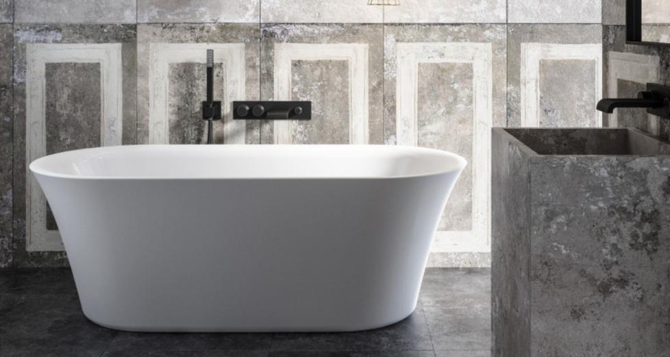Freistehende Badewanne matt weiß