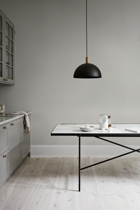 Handvärk Studio Pendant and Dining Table