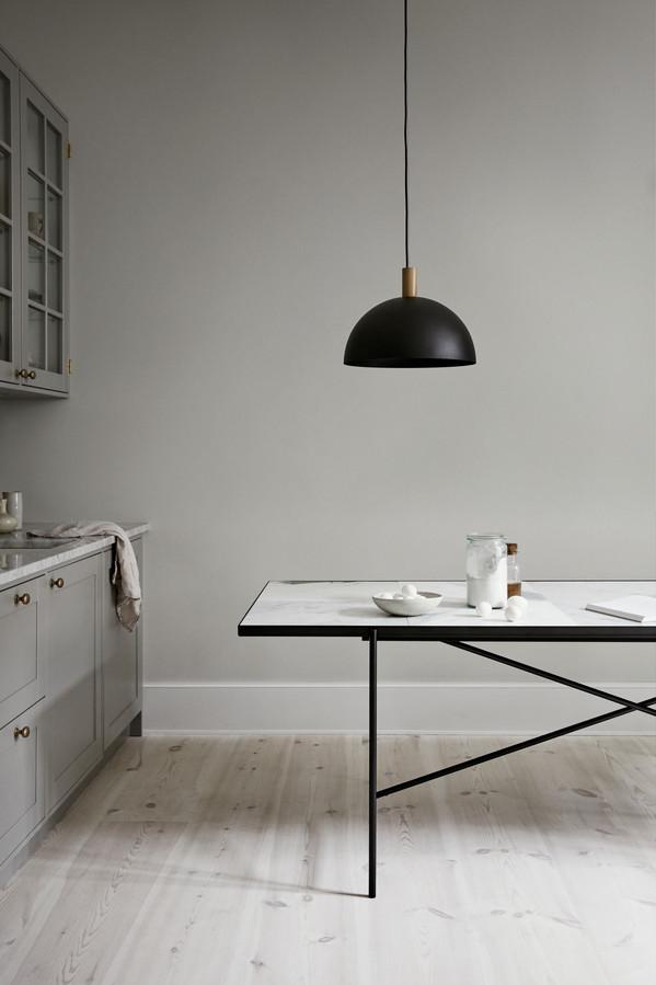 Handvärk Studio Pendant and Dining Table