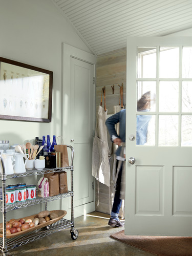 Colour_Trends_2021_Gray_Mudroom.jpg