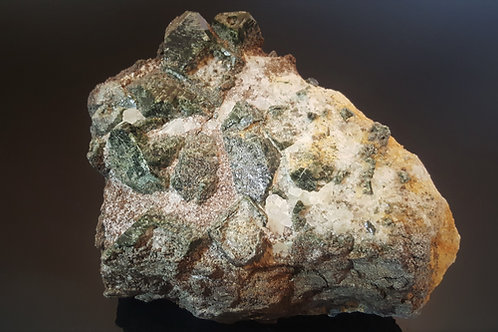 4,3 kg giant Diopside crystals from Seiland, Finnmark, Norway