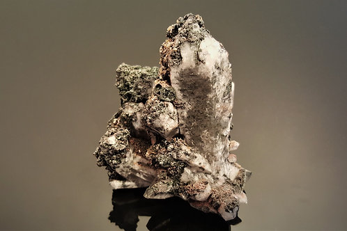 10 cm Quartz, Hematite & Stilbite from Malmberget, Sweden