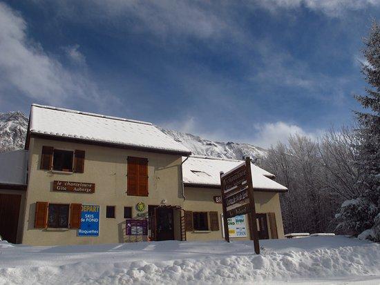Gite devant neige