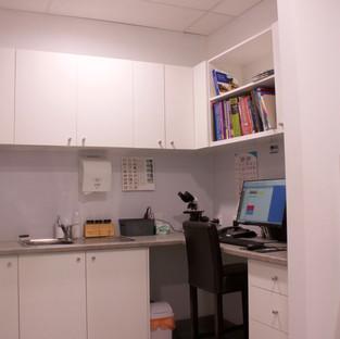 Lab station