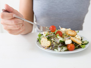Here's How To Do Intermittent Fasting Safely & Sustainably