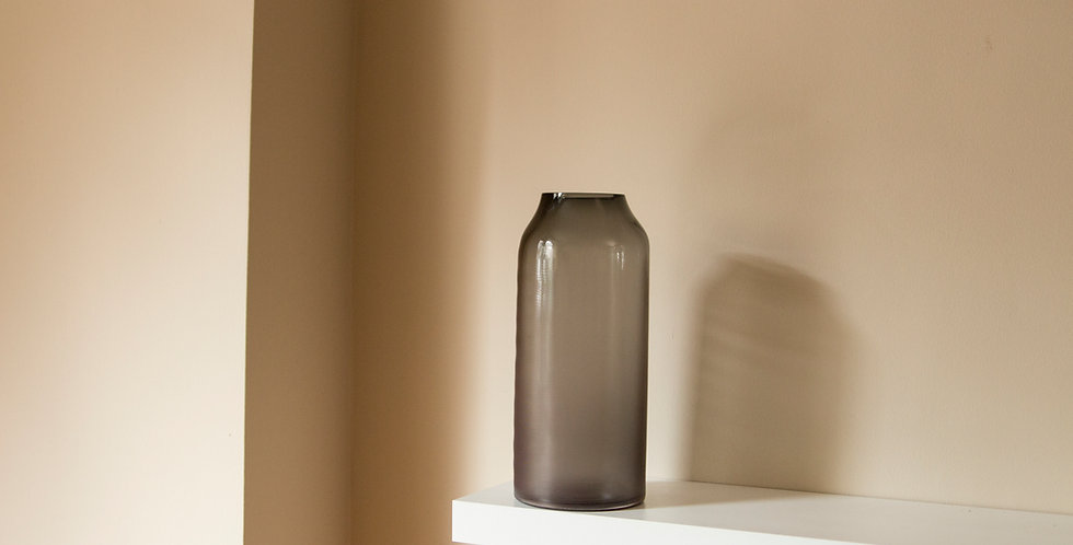 RAW-VASE-by-STUDIO-MILENA-KLING-mouthblown-glass-STONE-GREY