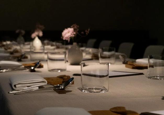 einsunternull-berlin-mitte-design-restaurant-circle-glass-milena-kling