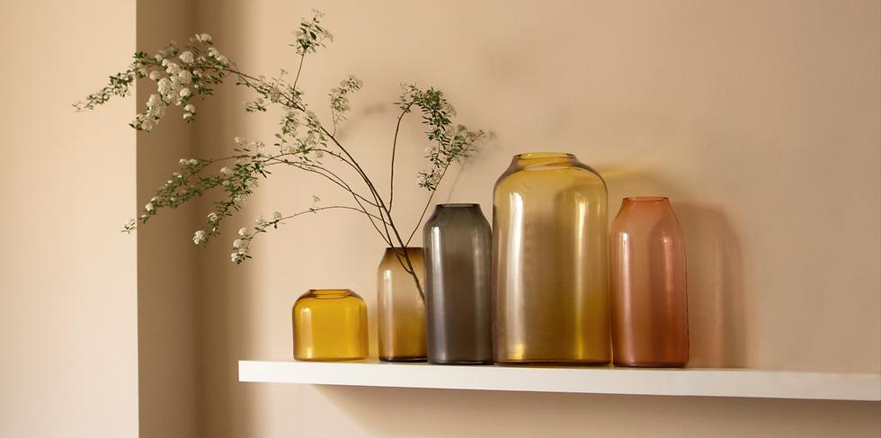 studio-milena-kling-raw-vases-interiour_edited_edited_edited.png