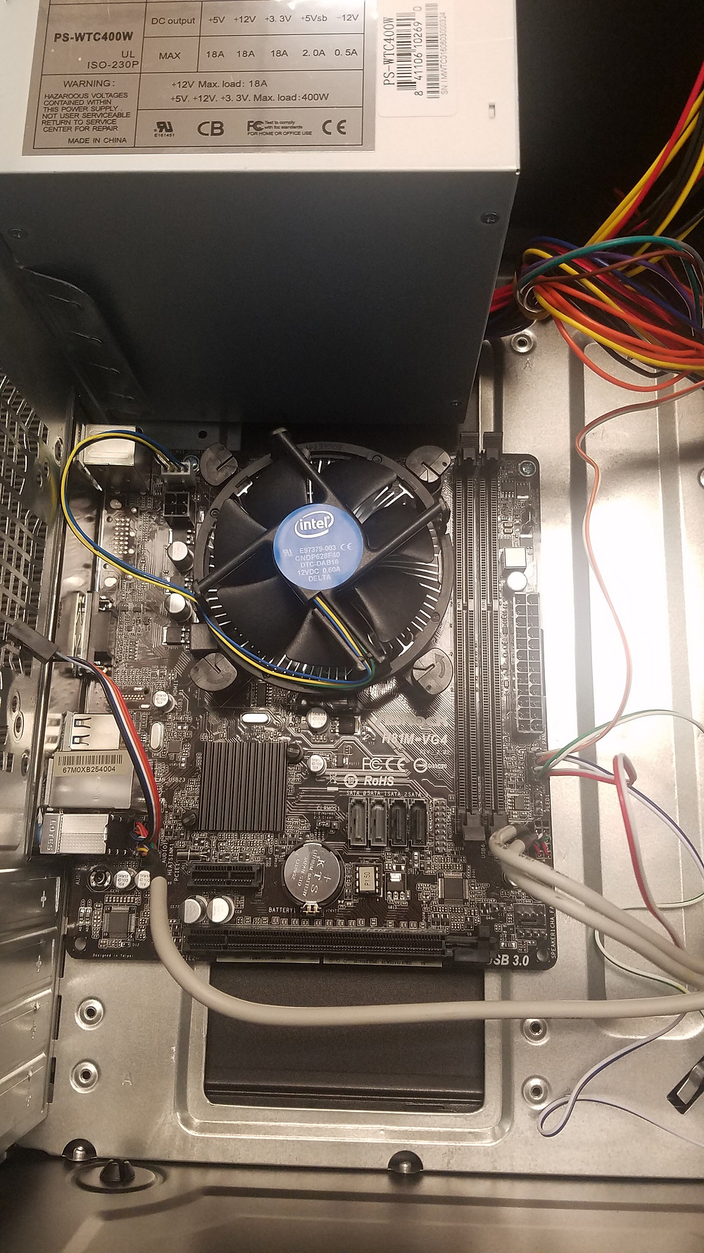 CPU Fan on and in case