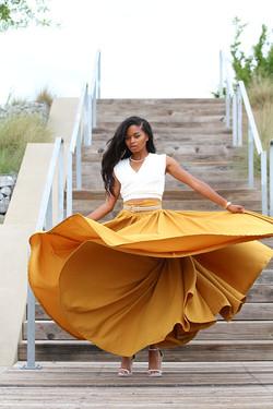 Female Model - Lola Anderson