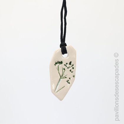 Earthenware pendant with green flower imprint
