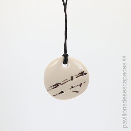 Earthenware pendant with brown branch imprint