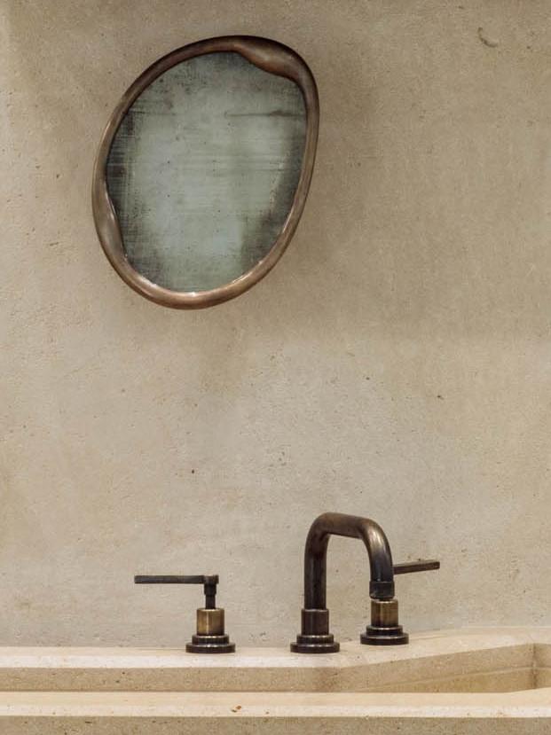 Mirror_Aesop.jpg