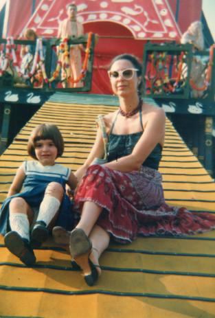 Con la figlia Irene alla festa degli hare Krishna