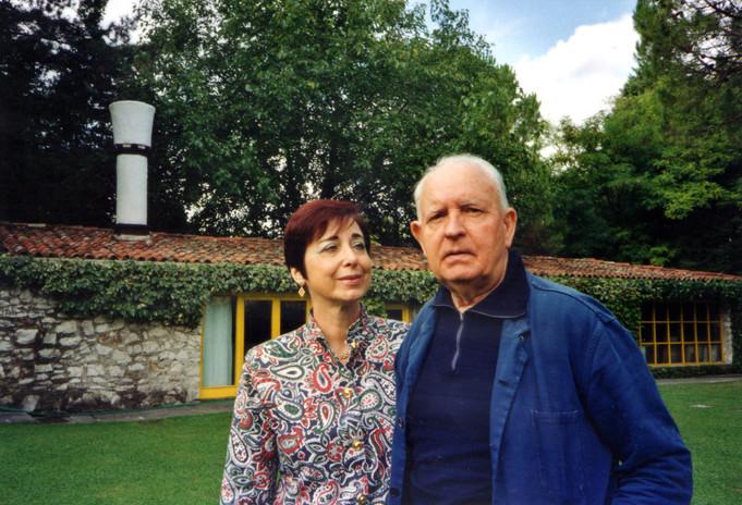 Con il pittore Giuseppe Zigaina nel giardino della sua villa