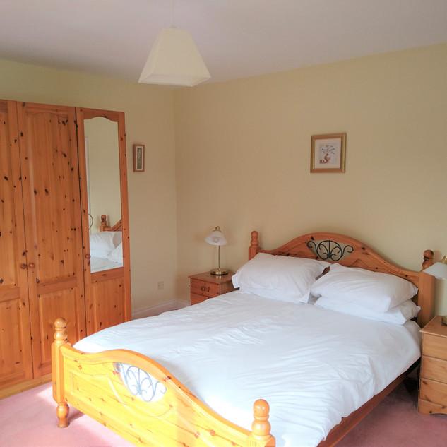 Tyddyn Crwn First King Bedroom.jpg
