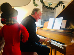 piano party dec 2019 john and caroler.jp