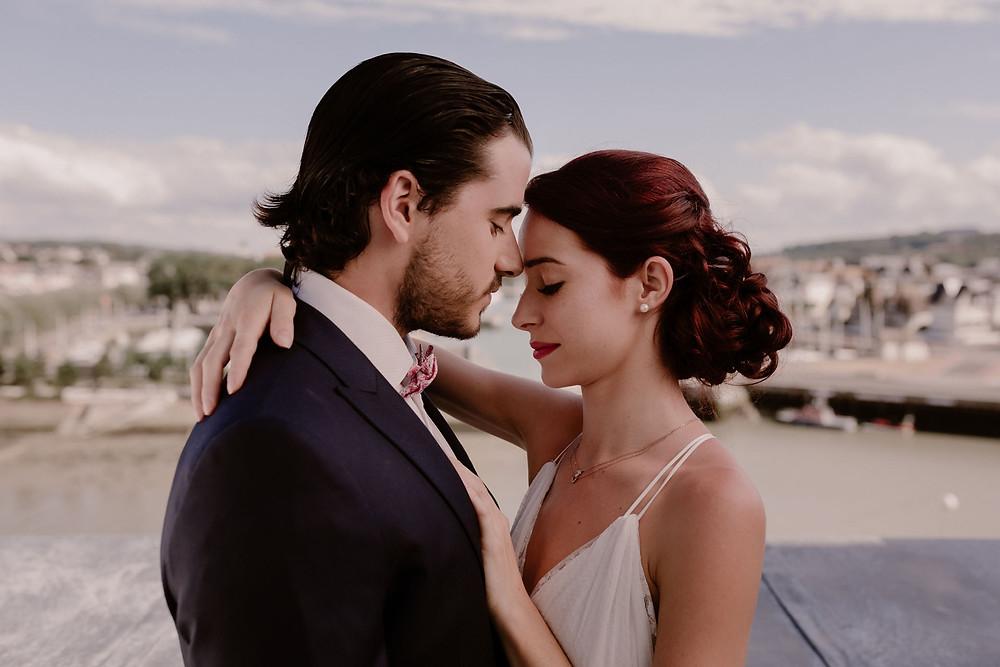 Couple - Amour - Port Trouville - Soleil - Photographe mariage - Photographe Normandie - Photographe Nord - Photographe Soissons - Photographe Provence