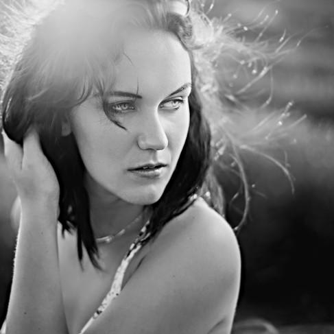 optimisation-google-julien loize-photographe france-photographe picardie-photographe soissons-provence-sud-femme-portrait-lavande-france.jpg