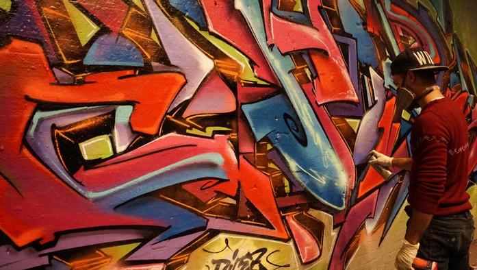 Aures London graffiti branding2.jpg