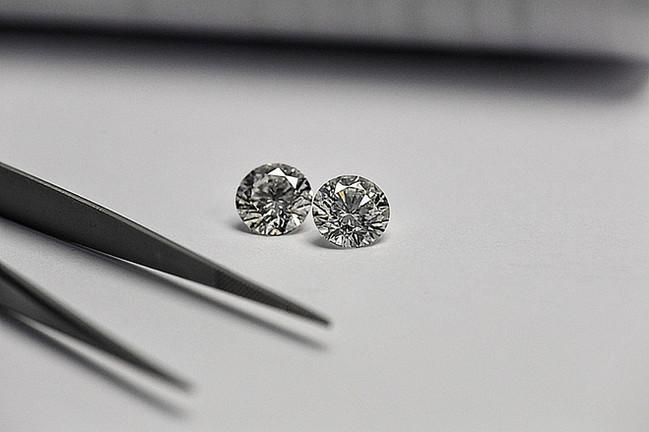 DIAMOND EARRINGS + DIAMOND JEWELRY