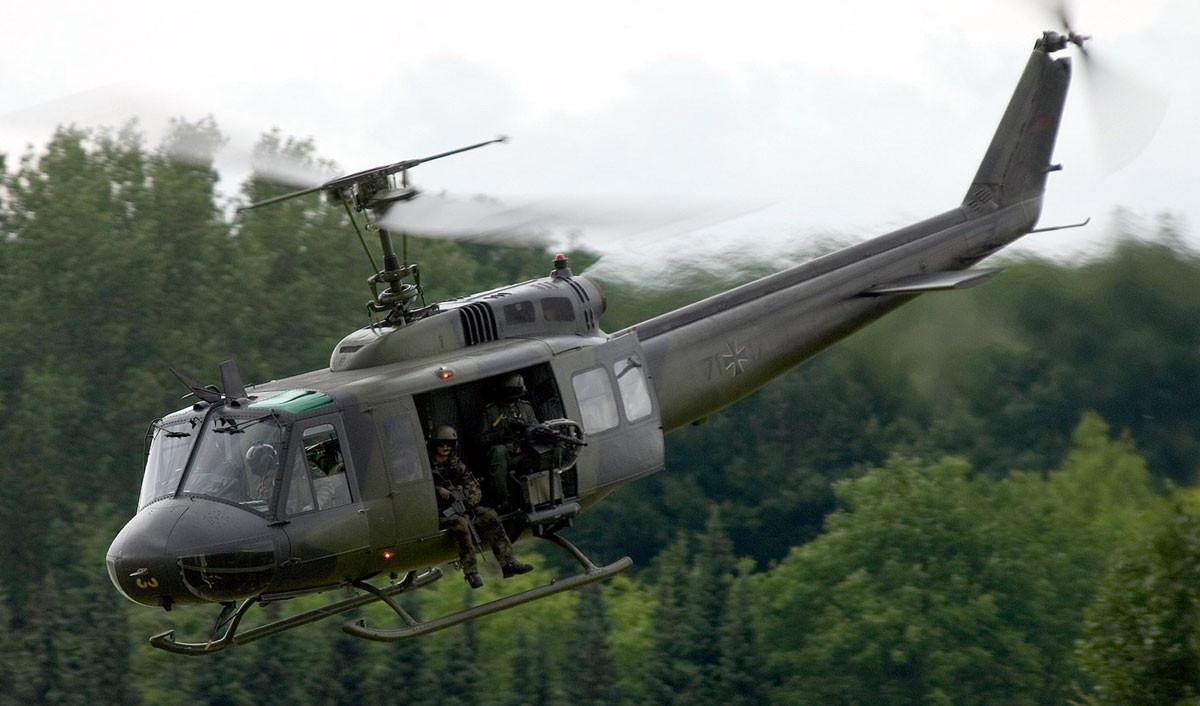 Bell205.UH-1D-1.jpg