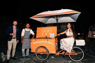 Vintage ice cream cart hire for Melbourne weddings