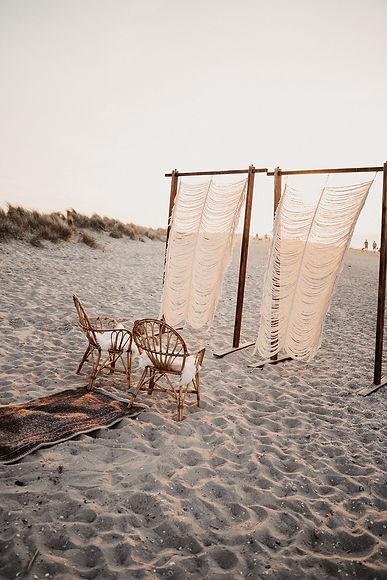 anne-siemer-hejju-beach-elopement-6_websize.jpg
