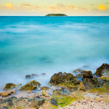 Carlos Alvarez, Long exposure of seven colors sea at San Andres Island in Colombia