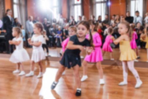 Развиваюшиеся танцы Анна Ельникова в Ком