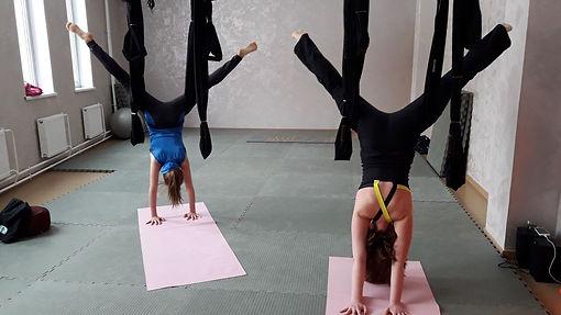 Йога в гамаках в Центре спорта в Коммунарке