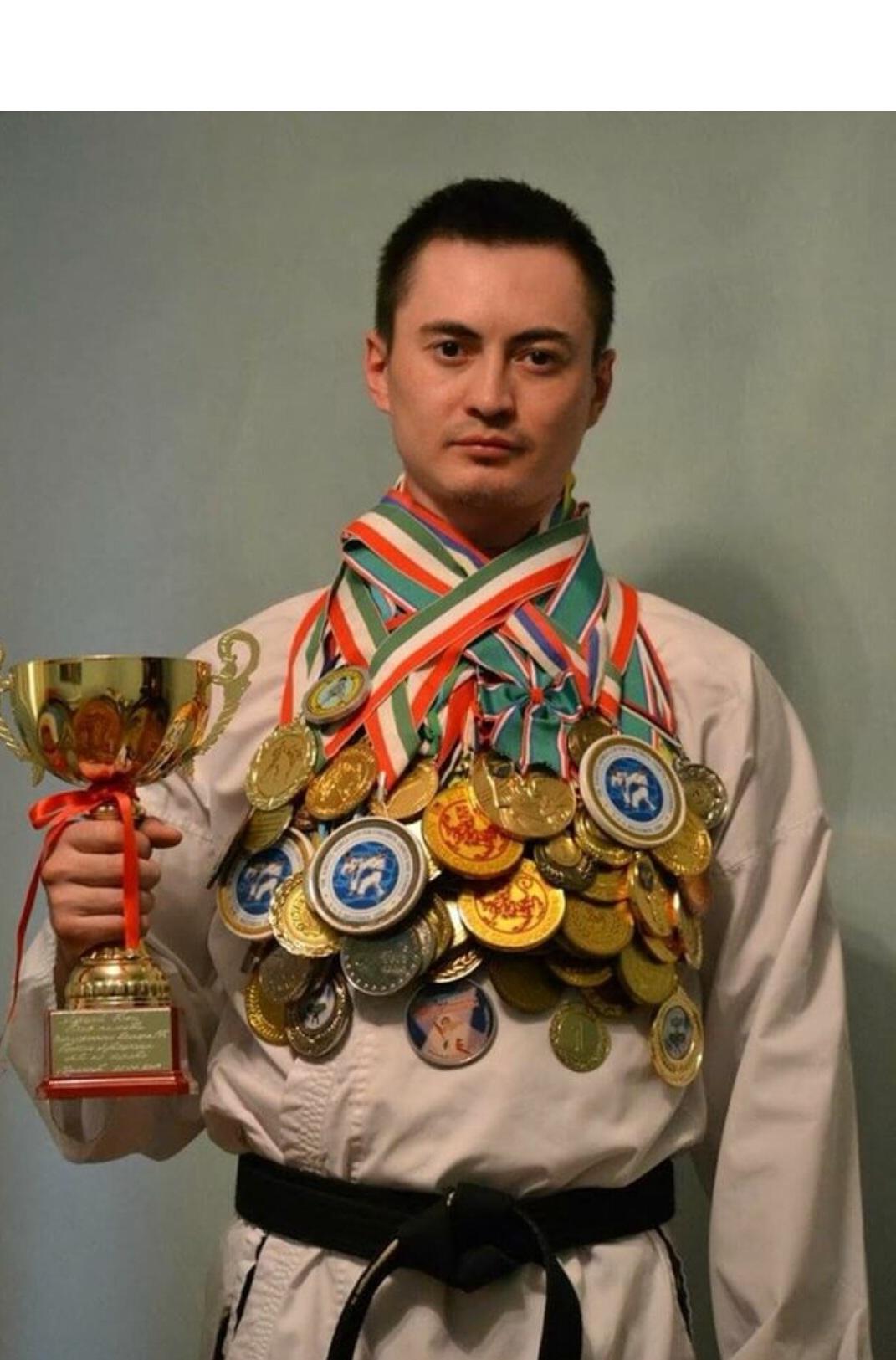 Тренер  Каратэ Кутуев Р.М.