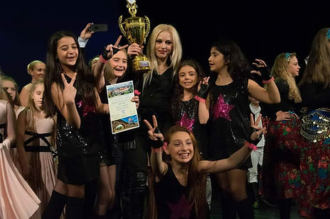 Армянские танцы в Коммунарке 2.jpg