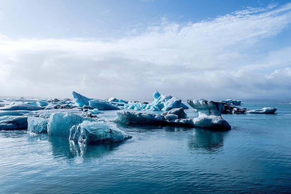 Le réchauffement du climat aura des impacts très négatifs sur l'emploi. (Photo by Davide Cantelli on Unsplash)
