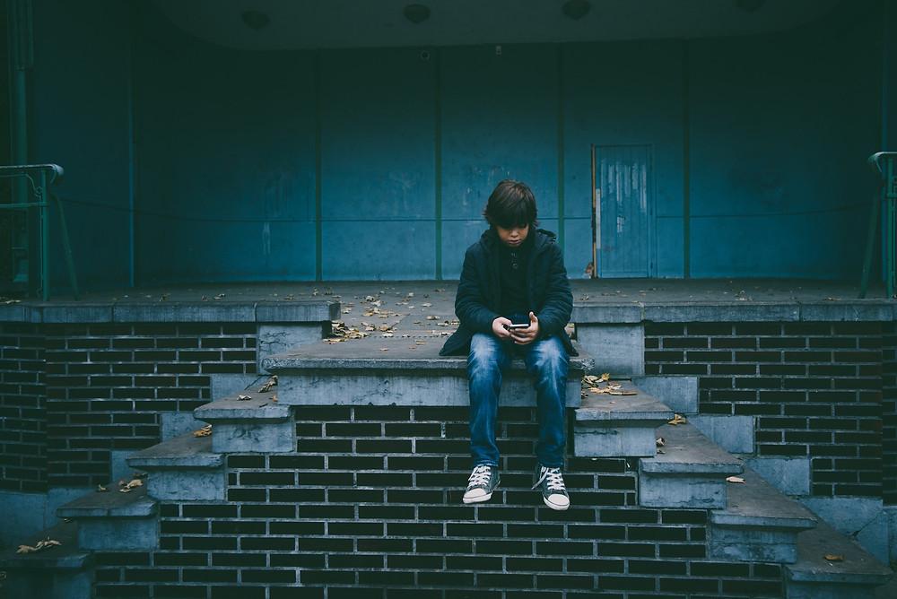 Grâce à internet et aux smartphones, la pornographie est de plus en plus facile d'accès. (Photo by Gaelle Marcel on Unsplash)