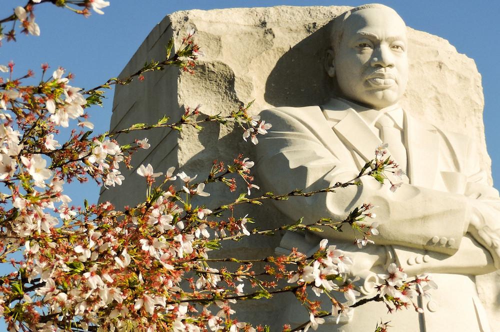 Martin Luther King, dont voici la statue, fut un héros de la lutte pour les droits civiques aux États-Unis. Il est mort il y a un demi-siècle. (photo : Alan Kotok / CC BY 2.0)