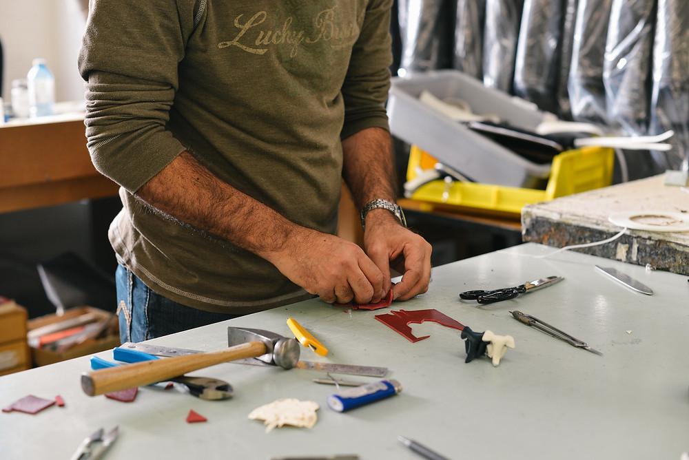 De plus en plus de Français se mettent au bricolage pour réparer leurs objets. (Photo by m0851 on Unsplash)