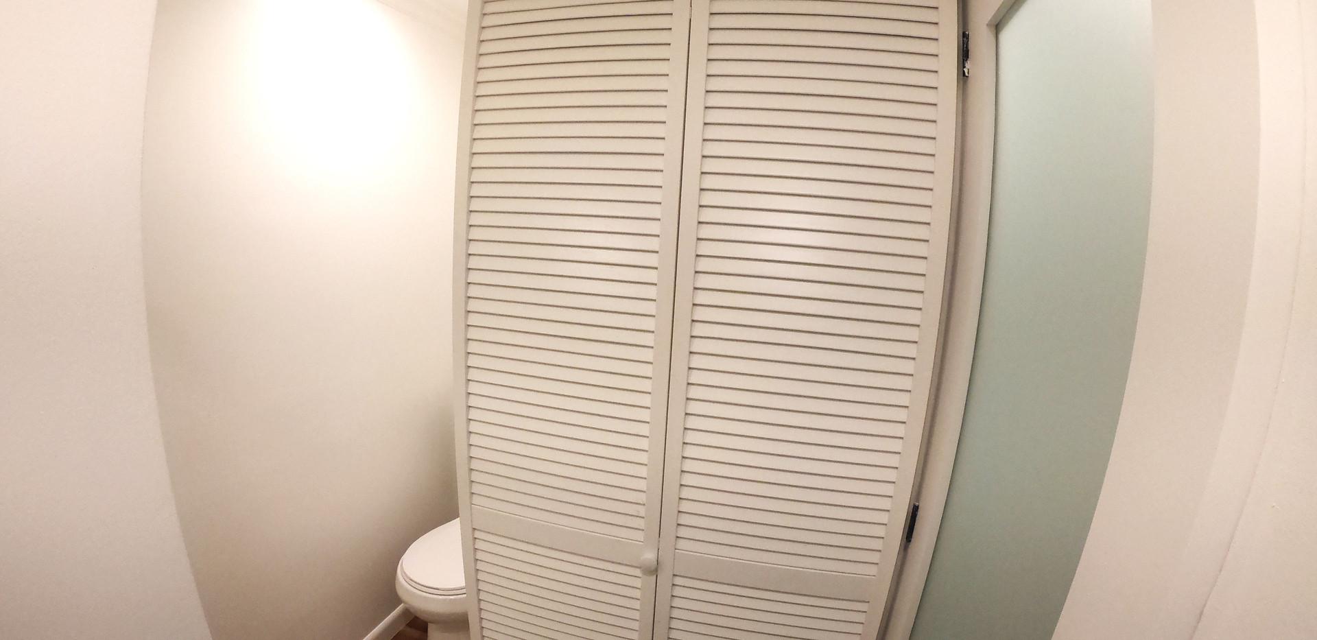 Interior-Bathroom-Storage.jpg