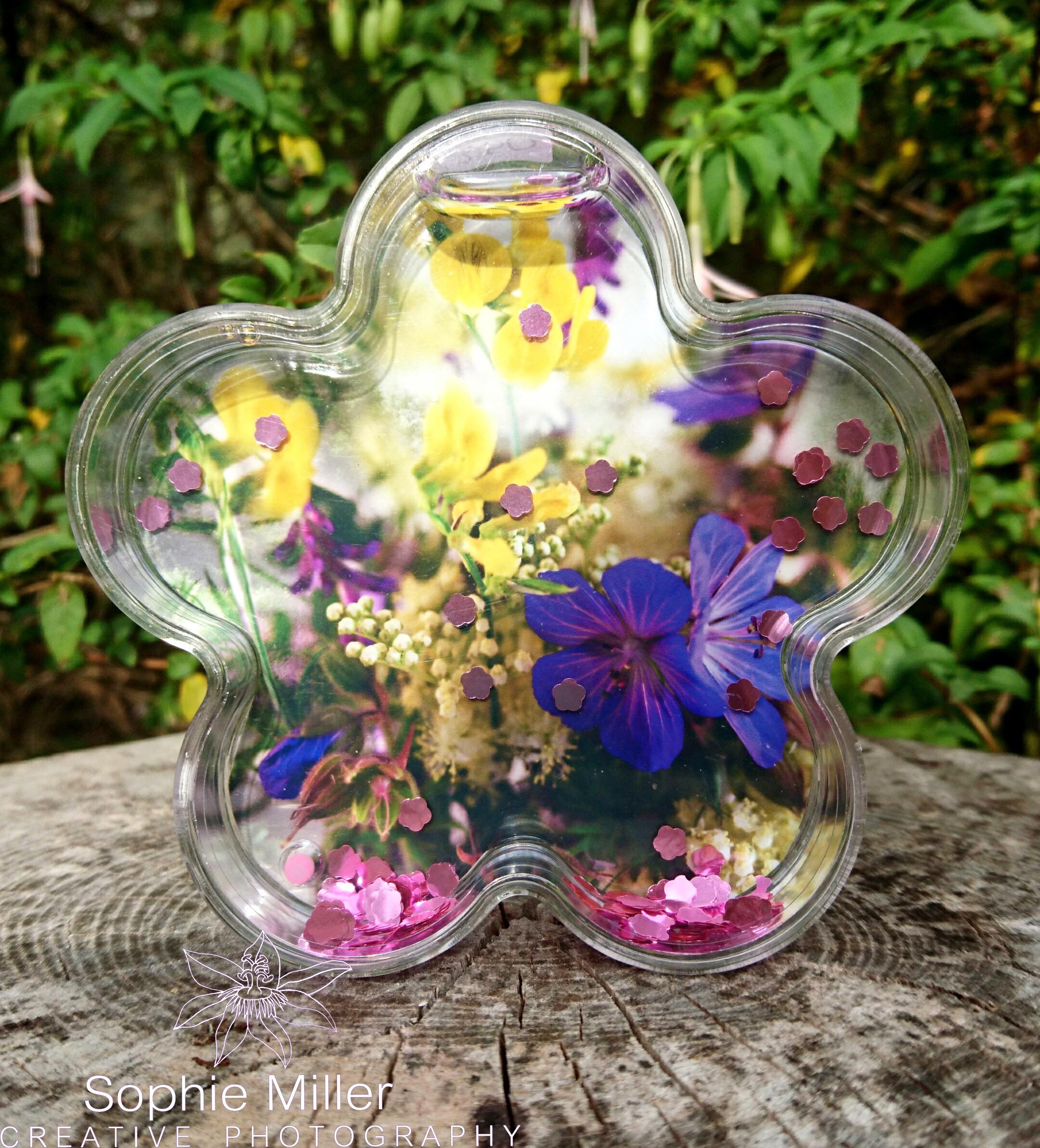 Glitter Water Flower Shaped frame £5