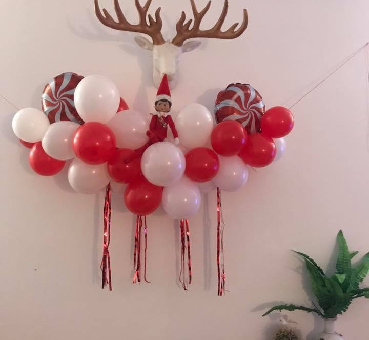 Mini elf on the shelf garland