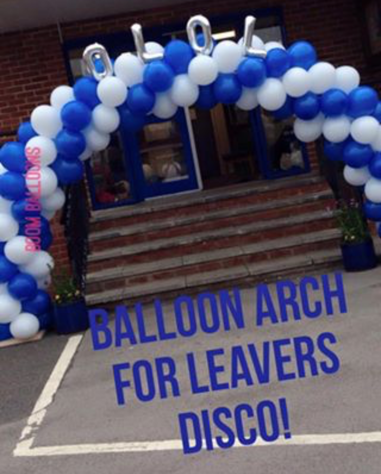 School leavers arch for year 6 to say goodbye!