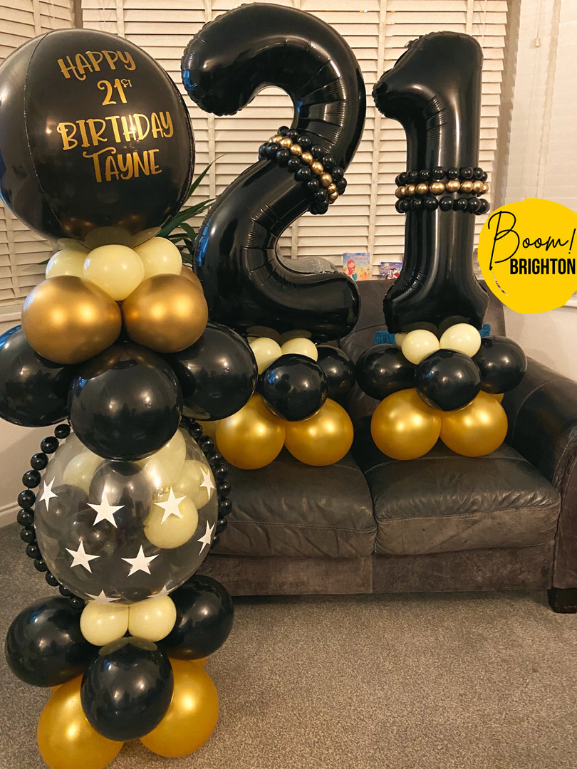 Black and gold Lux chocolate filled pers