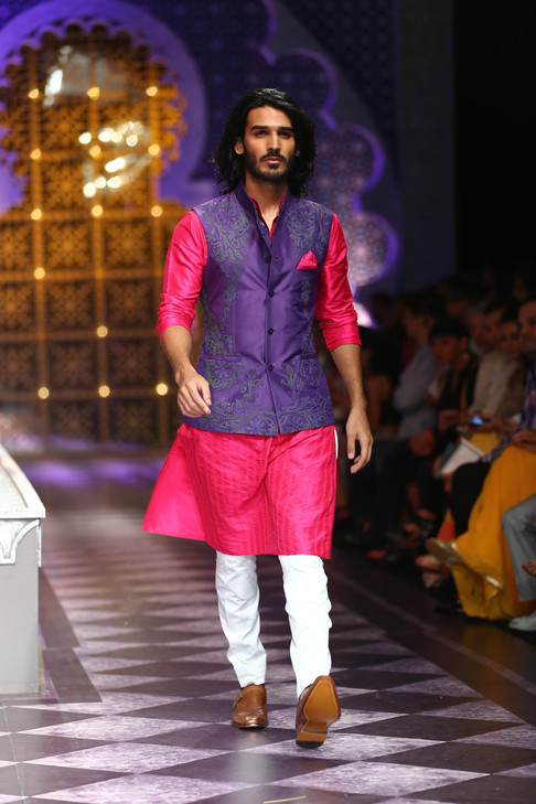 Lecture: Designing Elite Indian Masculinities: Fashion, Whisky, and Cosmopolitan Neo-Royalty