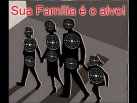 A Total Destruição Da Família