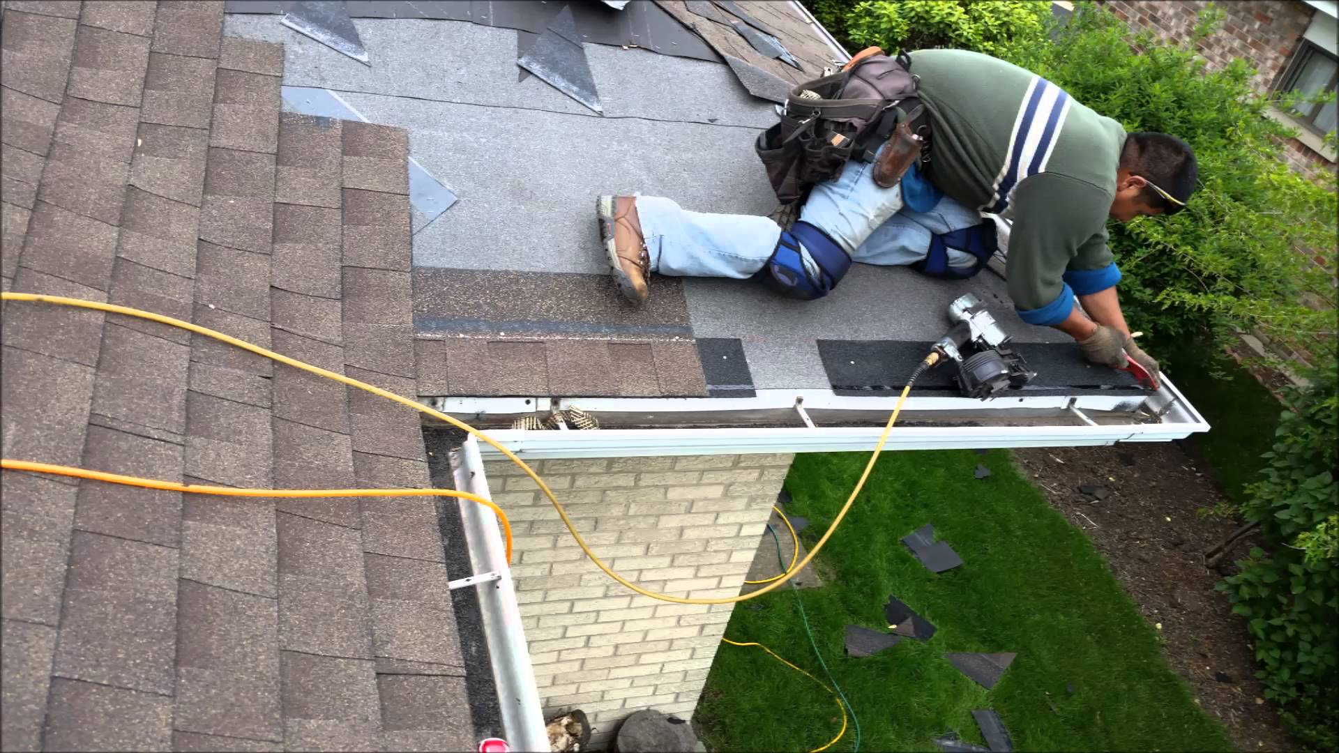 roofers doing roof job ametex roofing waco texas