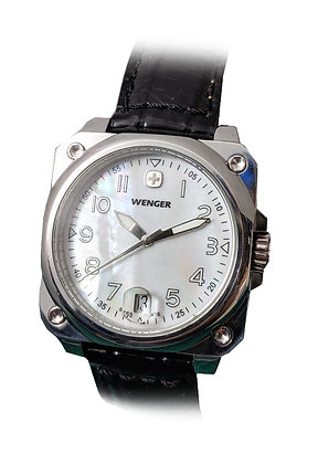 | IN STORE OFFER ONLY | WENGER - Mother of Pearl w/Black Leather
