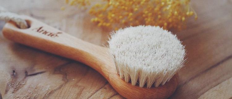 Brosse à visage en poils naturels