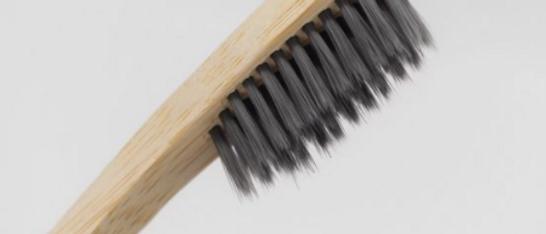 Brosse à dents bambou - infusé au charbon