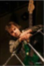 Алексей Кожанов бас гитарист группы Мельница город Москва.