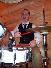 Прежде чем купить барабаны, научись играть на ударных. Школа барабанов Тольятти +79608354338 Дмитрий Отуджов. Купи барабанный курс обучения и научись играть , а потом думай о ударной установке.